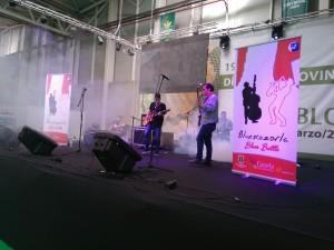 Chema's Blues Band tocando en el escenario de la Feria de los Pueblos