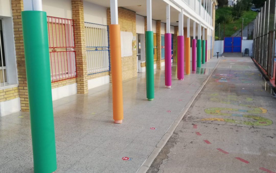 El Ayuntamiento de Cazorla instala espumas protectoras en los patios de recreo de los centros educativos