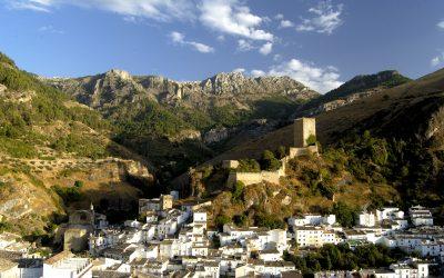 El Ayuntamiento de Cazorla pone en marcha un plan de embellecimiento del casco histórico